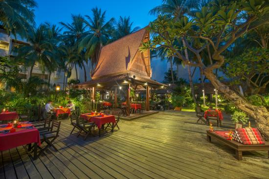Sala Rim Nam Restaurant at Avani Pattaya