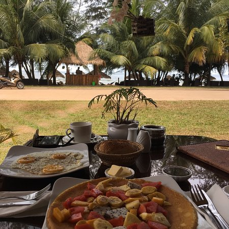 Sunset Lounge – Beach Restaurant