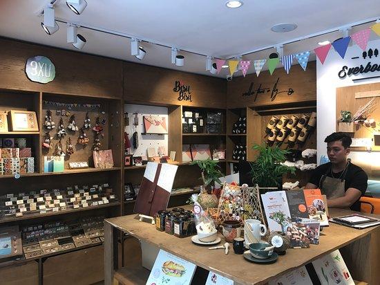 The Craft House Flagship – Souvenir & Gift Shop