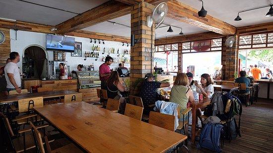 Yasmine Cafe & Restaurant